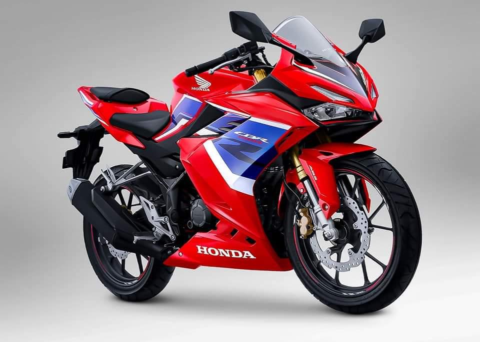 Motor-Honda-CBR150R-dan-CBR250RR-Dengan-Warna-Terbaru-Tricolor (2)