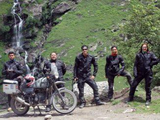 Cerita-Darius-Sinathrya-dan-Donna-Agnesia-Naik-Motor-Menjelajahi-Kawasan-Himalaya