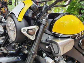 Motor-Yamaha-XSR155-Modifikasi-Katros-Garage-Menarik-Perhatian-Orang-Singapura