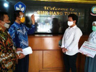 Beasiswa-Pendidikan-untuk-Belajar-di-Masa-Pandemi-di-Salurkan-Oleh-Yayasan-AHM (3)
